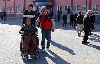 Pamukova'da Seçim saat, 8.00 da başladı.