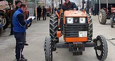 Muayenesiz traktörler için mobil istasyon rutin çalışma başlattı.