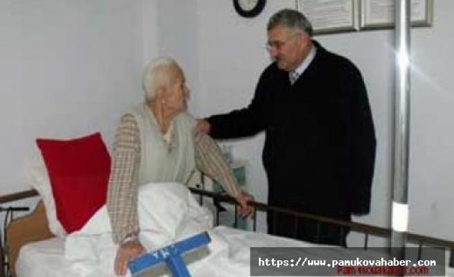 Başkan Keser hastaları ziyaret etti.