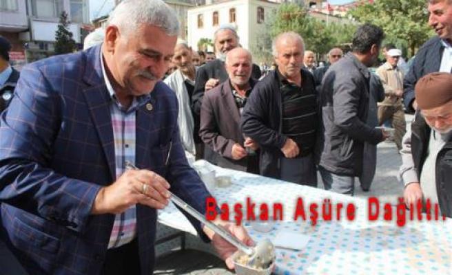 Belediye tarafından yapılan Aşüreye Pamukovalılar büyük ilgi gösterdi.