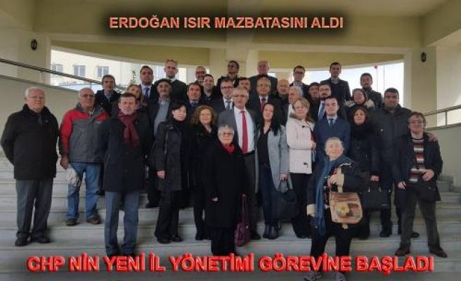 CHP Sakarya İl Başkanı Erdoğan Isır Mazbatasını aldı.