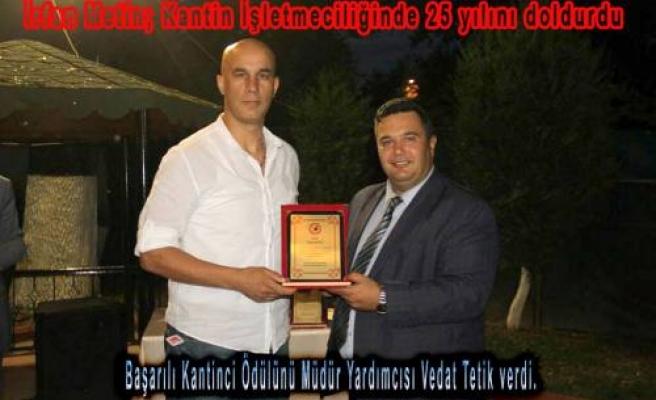 Kantinciler Gününde İrfan Metin'e 25. yıl Hizmet Plaketi verildi.