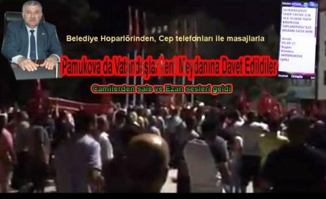 Pamukova da bazı vatandaşlar kent meydanında darbe söylentilerine karşı tepki gösterdi.