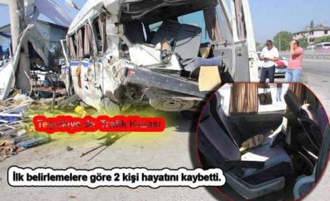 Pamukova da Trafik Kazası. İlk belirlemelere göre 2 ölü 9 yaralı var.