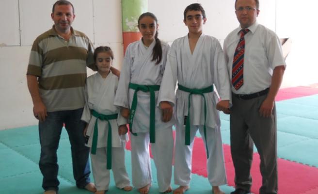Pamukova Halk Eğitimde Kuşak İmtihanı yapıldı.