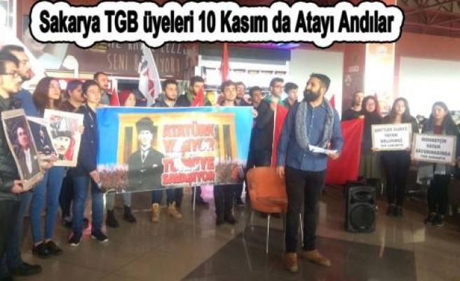 Sakarya da TGB li Öğrenciler Atayı andılar.