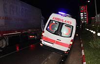 Bir ambulans yoldan çıktı.