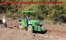 Çiftçi Jhon Deere'yi tercih ediyor.
