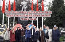 Atatürk genç yaşlı herkes tarafından saygı ile...