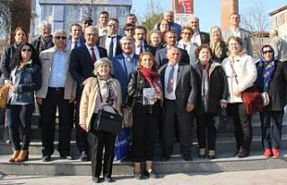 Fikri Sağlar Pamukova'da 'Martın Sonu Bahar'...