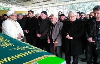 Nuri Karabacak eşini, Oğuzhan ise biricik annesini...