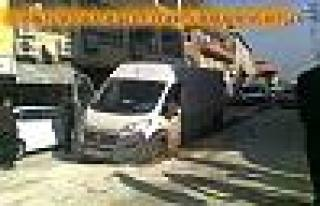 Bursa Plakalı Araba Belediye Çukuruna Düştü.