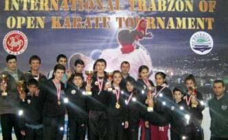 Karetecilerimiz Trabzon da rakiplere offf offff dedirttiler
