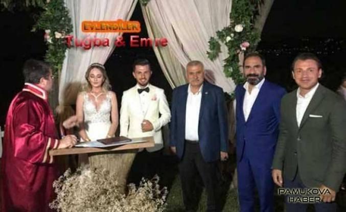 Sivasspor'un orta saha oyuncusu Pamukovalı Emre Kılınç dünya evine girdi.