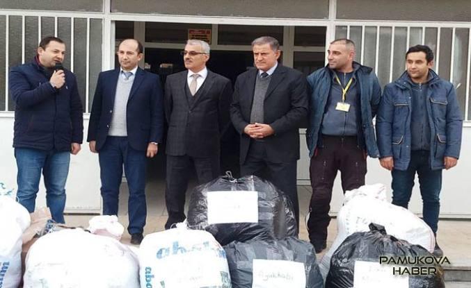 Pamukova 75.Yıl İlkokulu Öğrencilerinden Batman Kozluk 29 Ekim okulu öğrencilerine yardım.